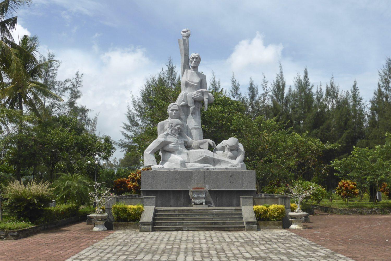 Khu chứng tích Mỹ Lai Lý Sơn