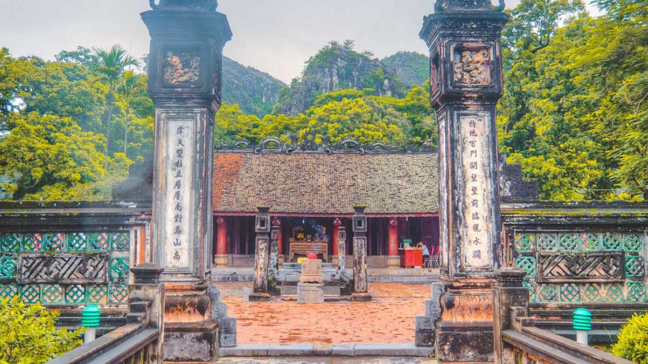 Đền vua Đinh Tiên Hoàng Hoa Lư Ninh Bình