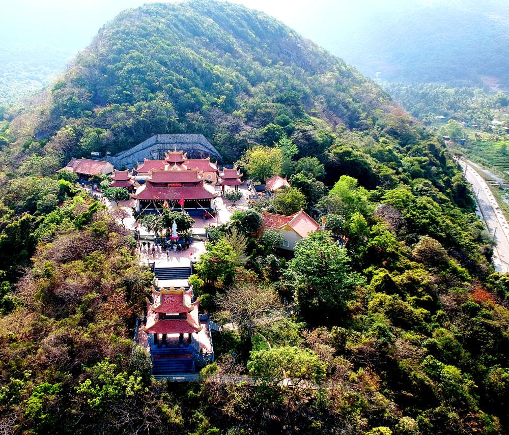 Vân Sơn Tự (Chùa Núi Một) Côn Đảo