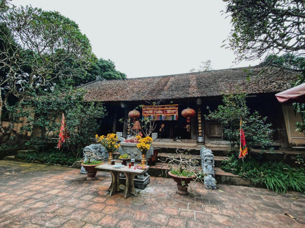 Đền thờ Ngô Quyền - làng cổ Đường Lâm