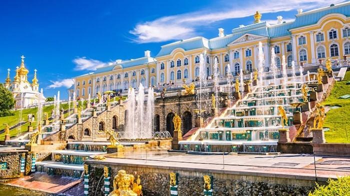 Vẻ đẹp cung điện 3 mùa nước Nga